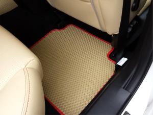 текстильные коврики в салон автомобиля