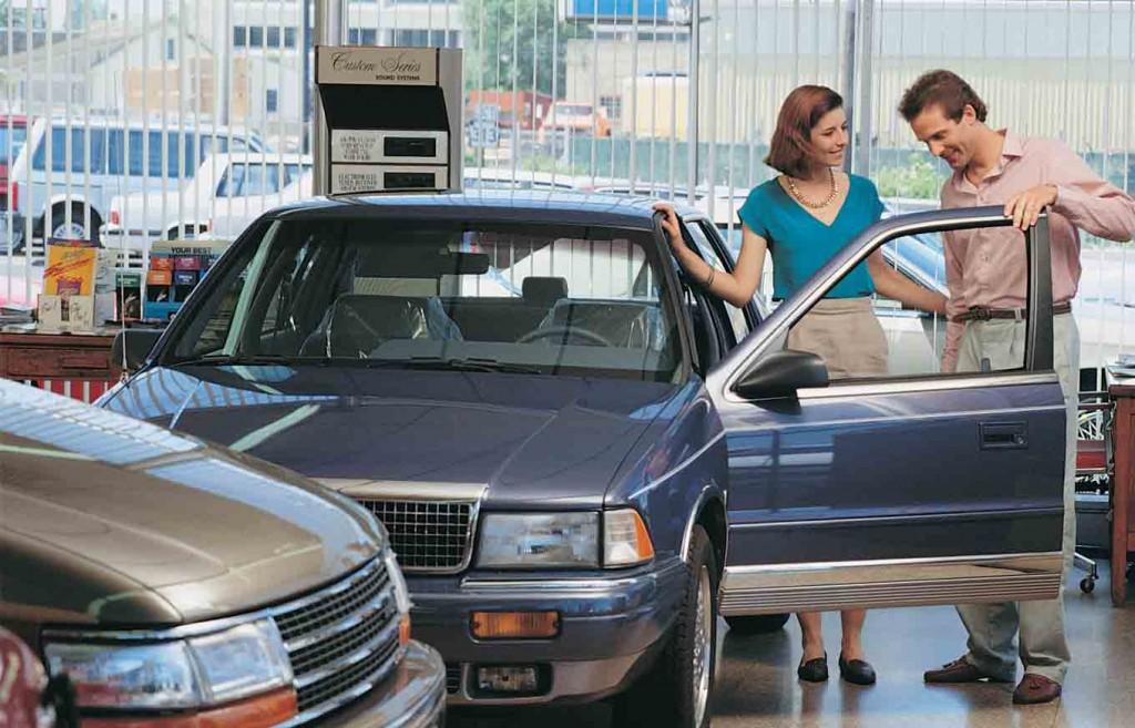 какой подержанный автомобиль лучше купить