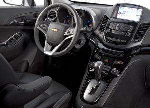 семейный автомобиль минивэн Chevrolet Orlando