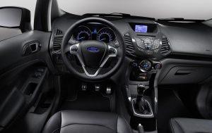компактный кроссовер Форд Экоспорт интерьер салон