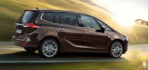 семейный автомобиль минивэн Opel Zafira Family
